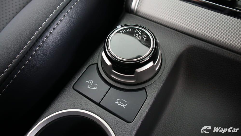 Mitsubishi Triton 2019 Interior 024