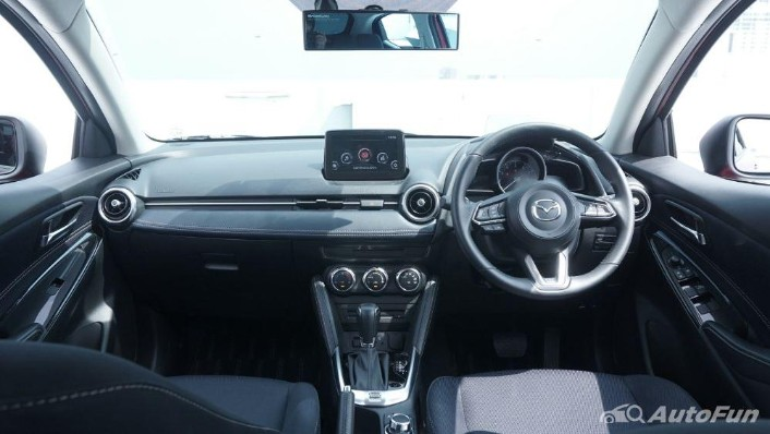 Mazda 2 GT AT Interior 001