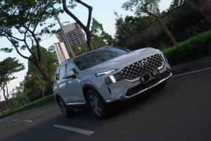 Review Hyundai Santa Fe: Varian Bermesin Bensin Suguhkan Kenyamanan Istimewa, Tapi Konsumsi BBM-nya....