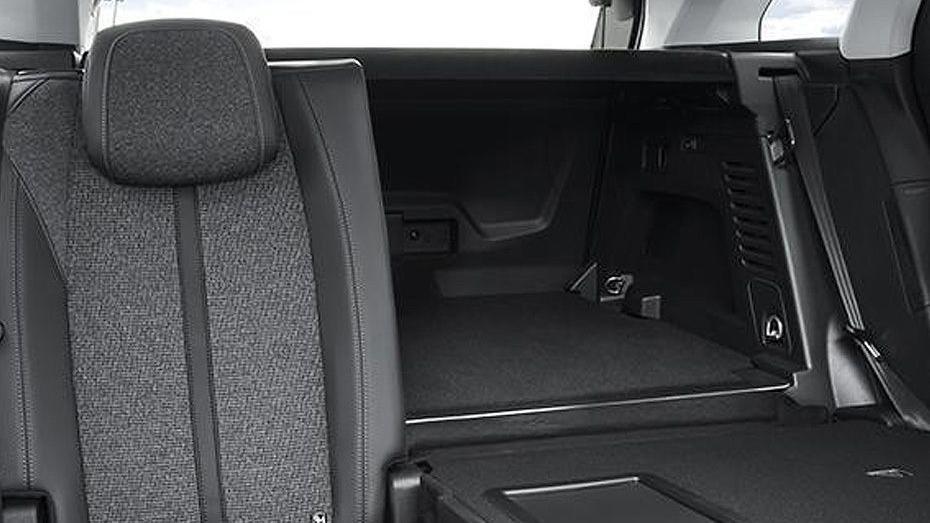 Peugeot 3008 2019 Interior 055