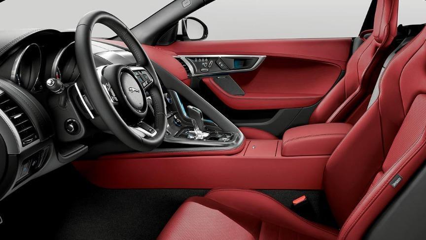Jaguar F-TYPE 2019 Interior 017