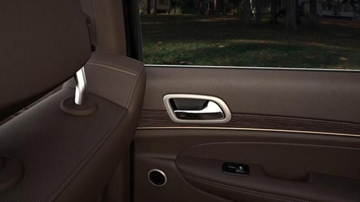 Jeep Grand Cherokee 2019 Interior 009