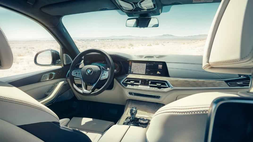 2021 BMW X7 xDrive40i Opulence Interior 001