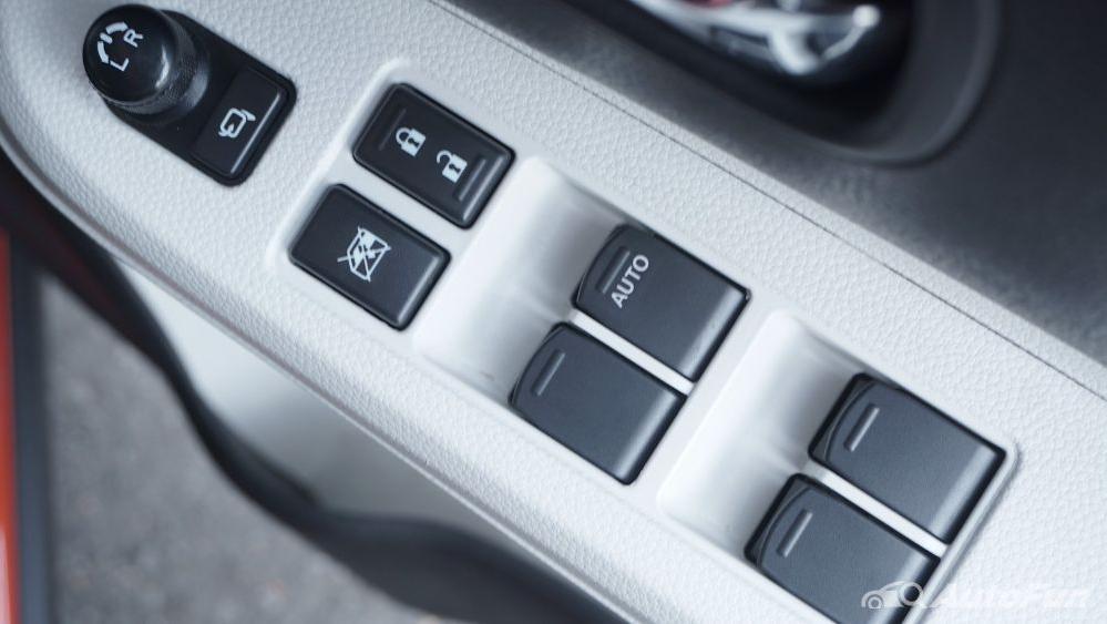 Suzuki Ignis GX AGS Interior 035