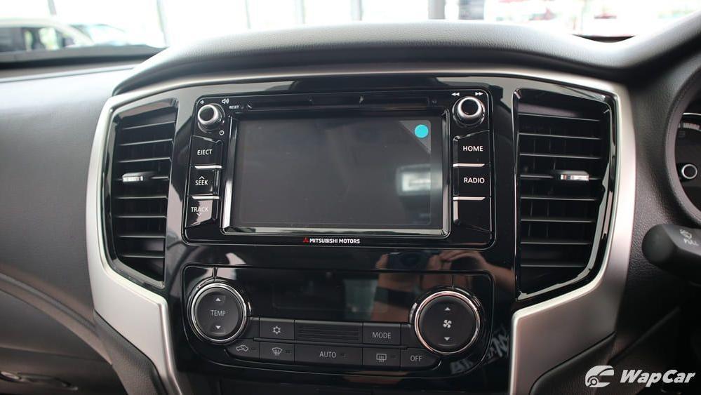 Mitsubishi Triton 2019 Interior 013