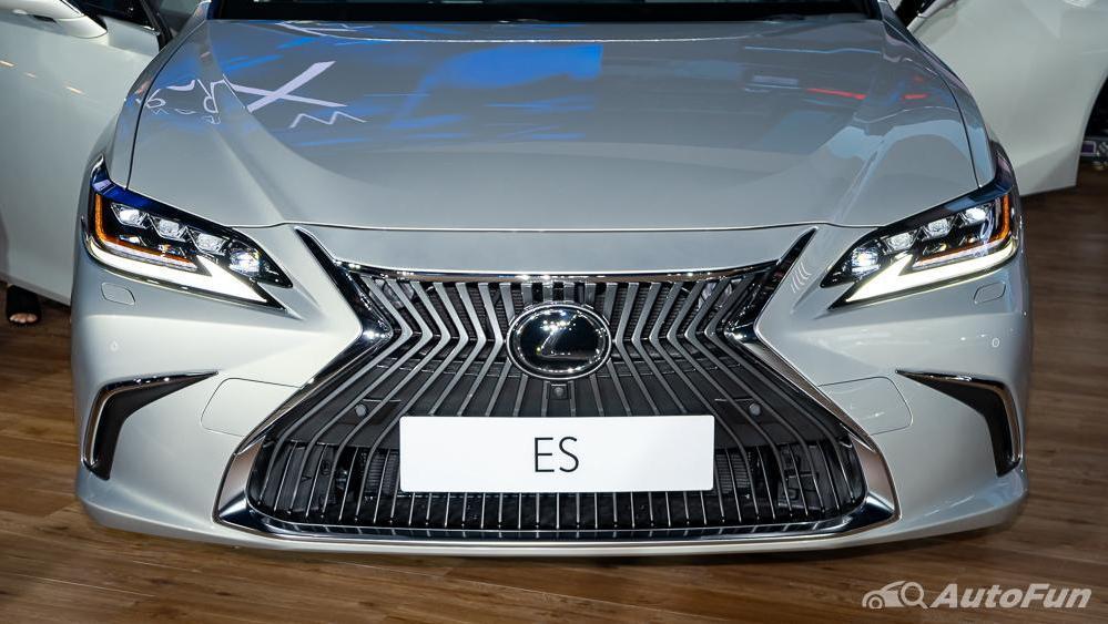 Lexus ES 2019 Exterior 008