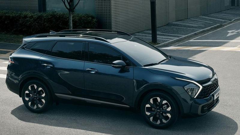 Kia Sportage 2022 Unjuk Diri, Desain Ekstrimnya Siap Terkam Honda CR-V dan Wuling Almaz 02