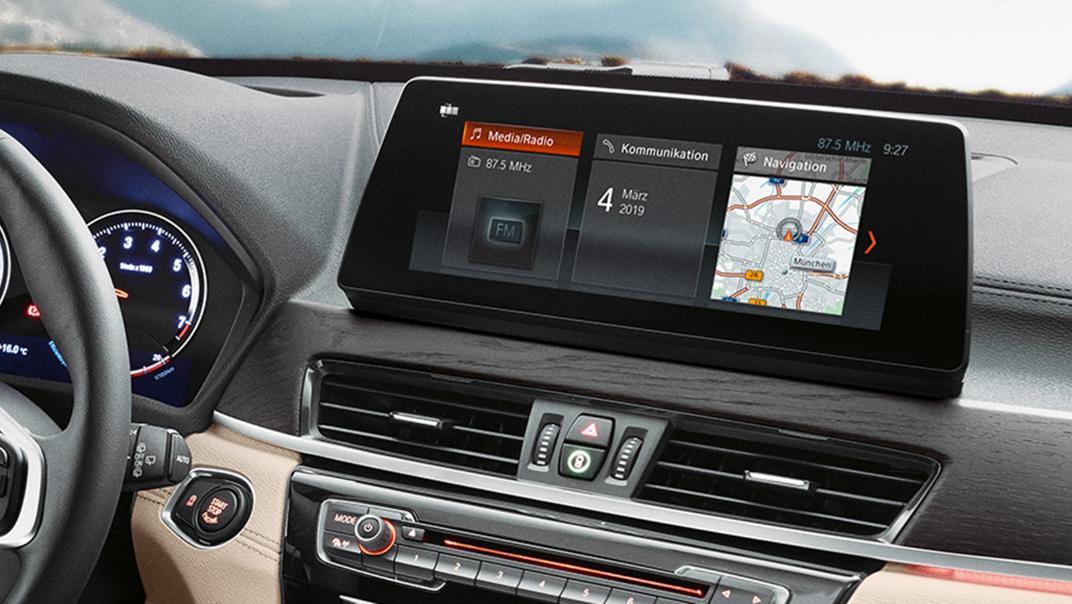 BMW X1 2020 sDrive18i xLine Interior 004