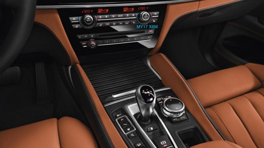 BMW X6 M 2019 Interior 003