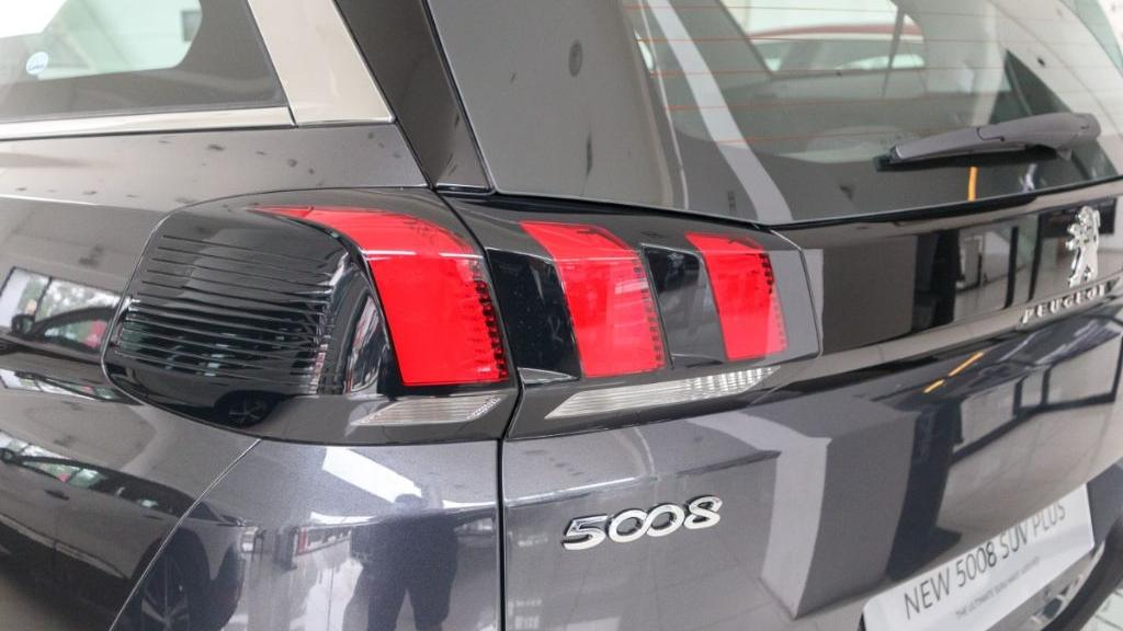 Peugeot 5008 2019 Exterior 015