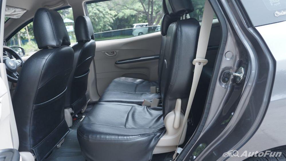 Honda Mobilio E CVT Interior 026