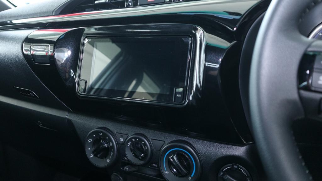 Toyota Hilux 2019 Interior 013