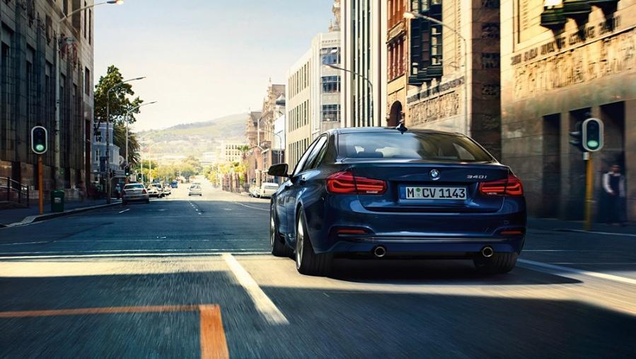 BMW 3 Series Sedan 2019 Exterior 003