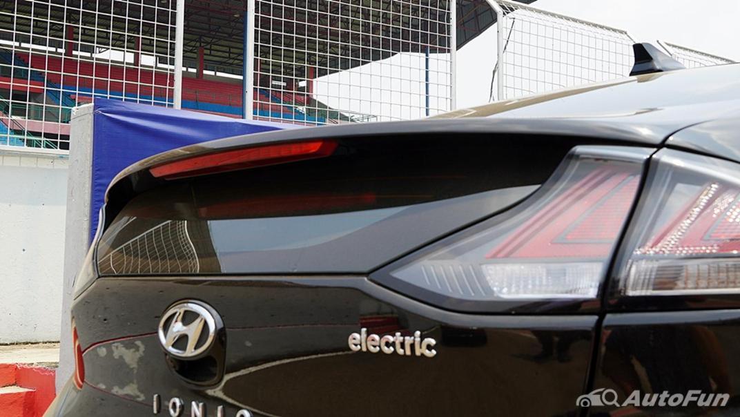 2021 Hyundai Ioniq Electric Exterior 013