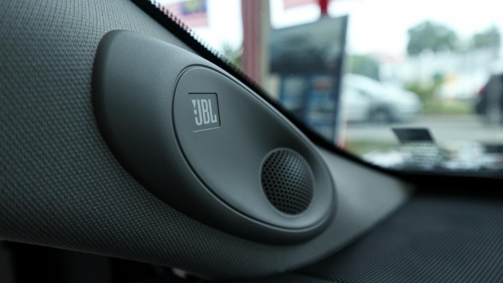 Toyota Camry 2019 Interior 021