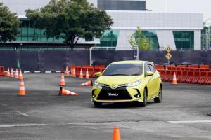 Perbedaan City Car vs Hatchback, Toyota Agya 2021 Si Mobil Kota Lawan Toyota Yaris Si Sedan Tanpa Buntut