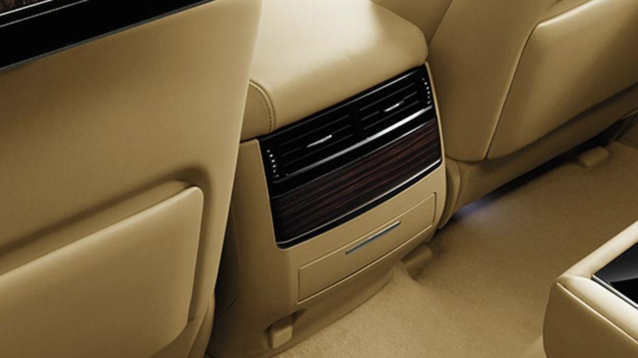 Lexus LX 2019 Interior 006
