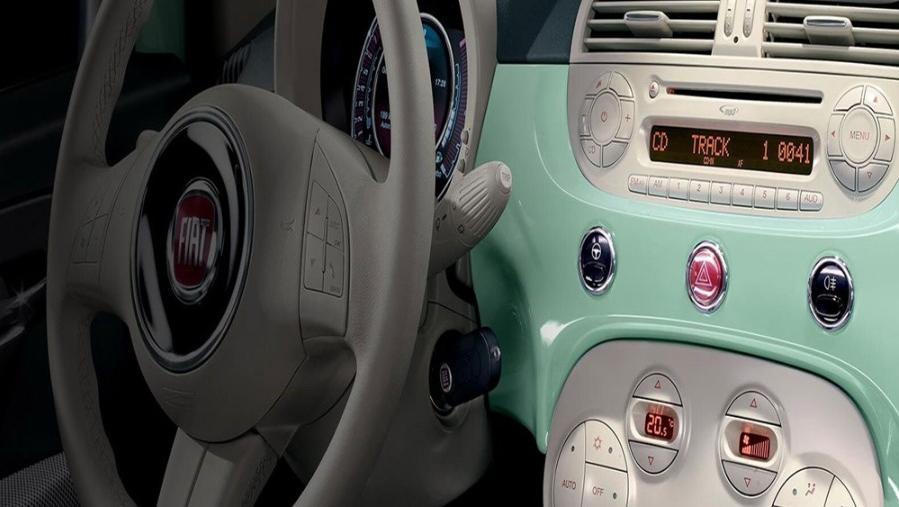 Fiat 500 2019 Interior 002