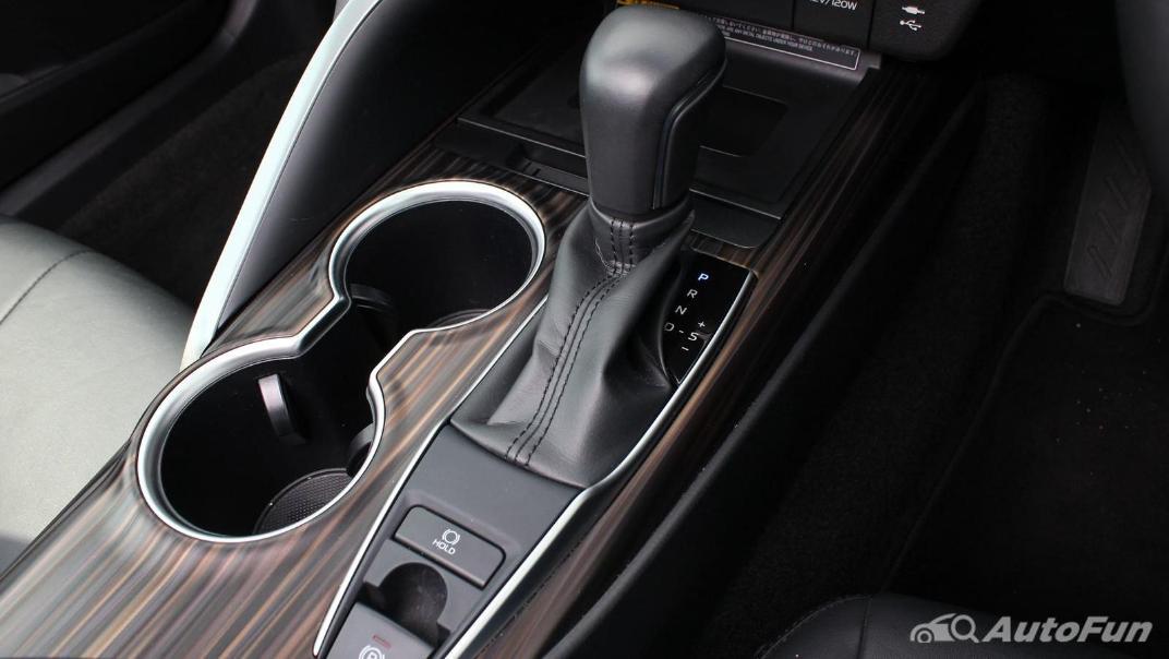 Toyota Camry 2019 Interior 047