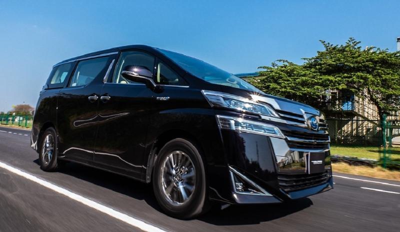 Mana Lebih Fleksibel, Toyota Vellfire atau Pesaingnya Ini? 02