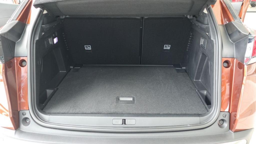 Peugeot 3008 2019 Interior 045