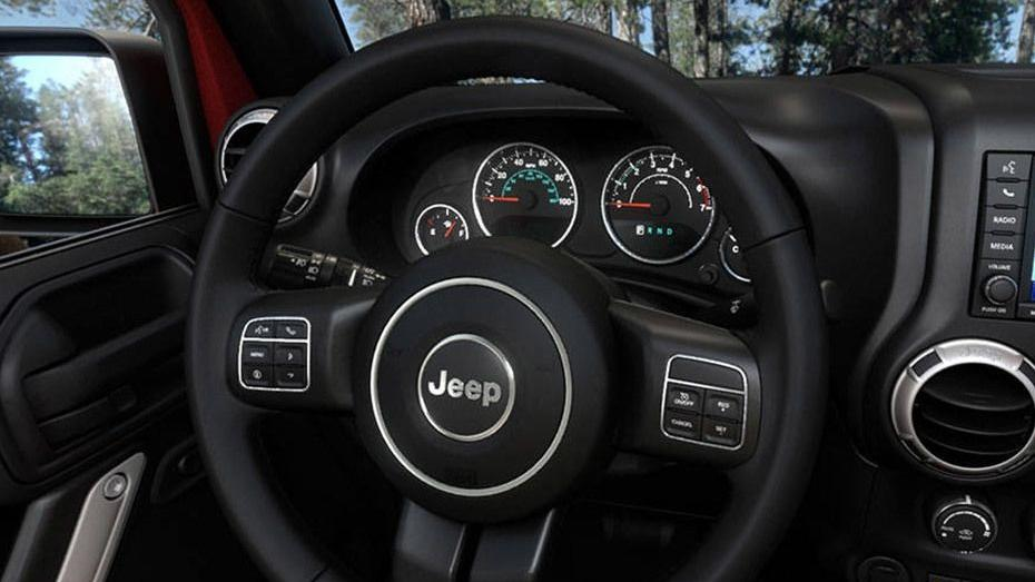 Jeep Wrangler Unlimited 2019 Interior 002