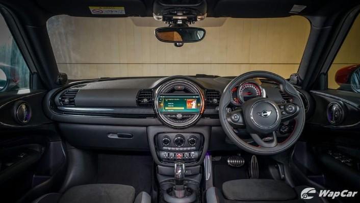 MINI Clubman 2019 Interior 001