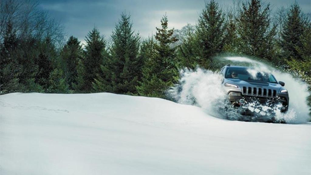Jeep Cherokee 2019 Exterior 004