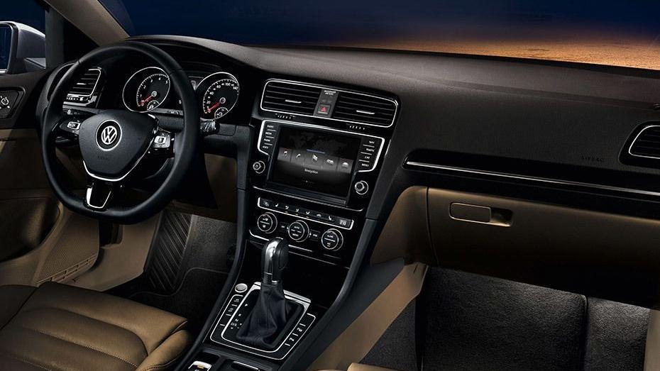 Volkswagen Golf 2019 Interior 095