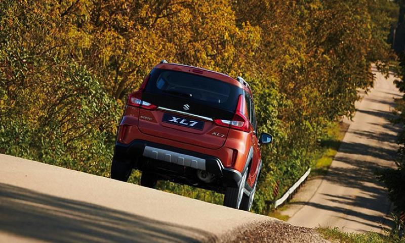 Beli Suzuki XL7 Harus Inden 3 Bulan. Ini Harga Diskon PPnBM 50% Mulai Juni Mendatang 02