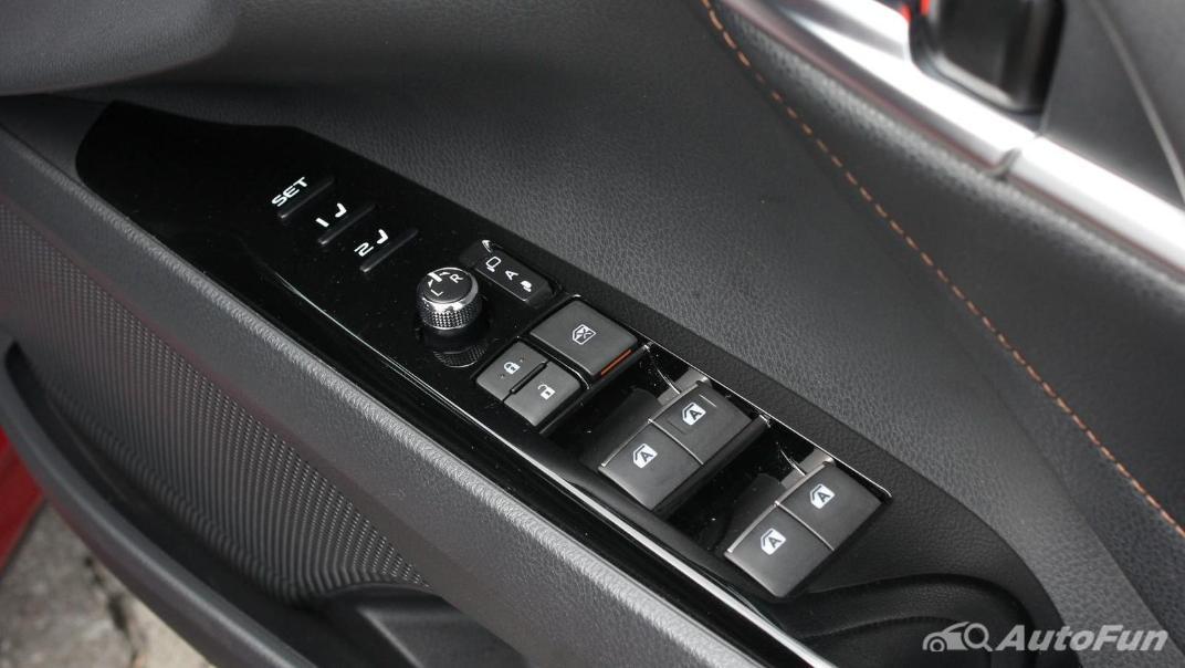 Toyota Camry 2019 Interior 054