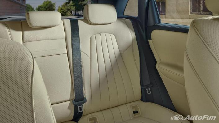 Mercedes-Benz B-Class 2019 Interior 006