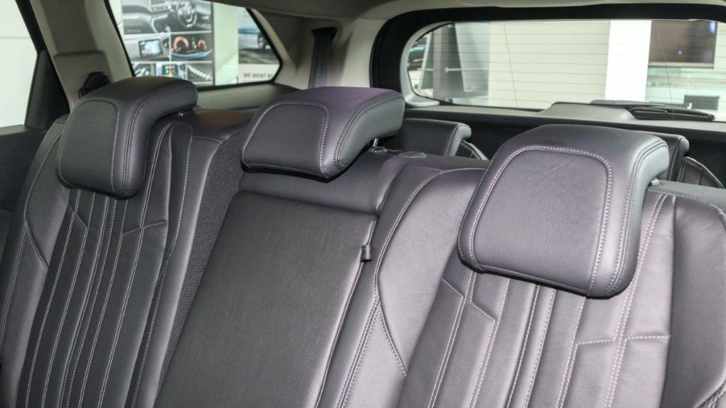 Peugeot 5008 2019 Interior 032