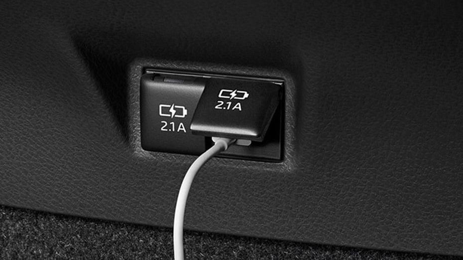 Toyota Camry 2019 Interior 090