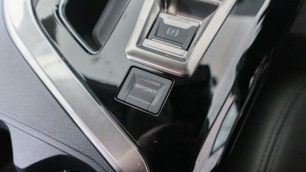 Peugeot 5008 2019 Interior 022