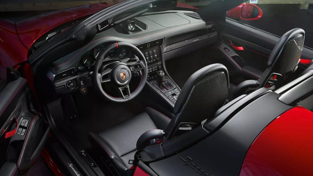 Porsche 911 2019 Interior 015