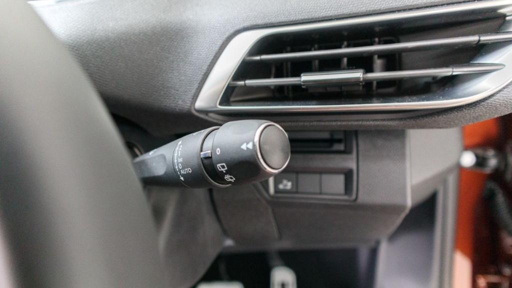 Peugeot 3008 2019 Interior 011