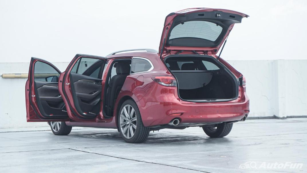 Mazda 6 Elite Estate Interior 067