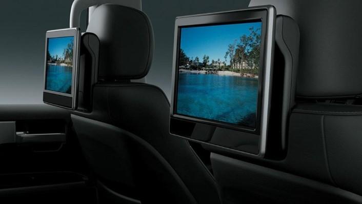 Toyota Land Cruiser 2019 Interior 008