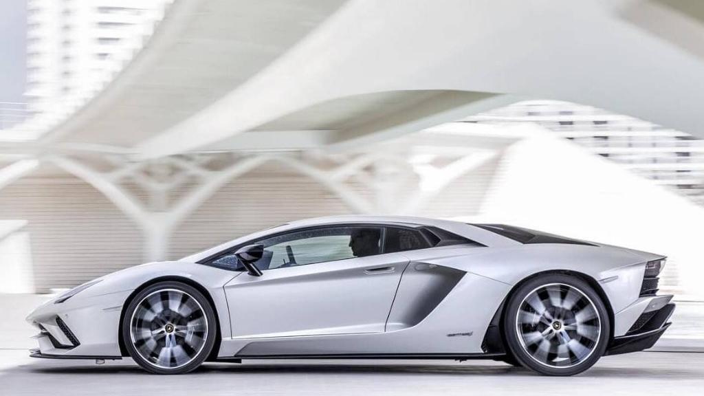 Lamborghini Aventador 2019 Exterior 040