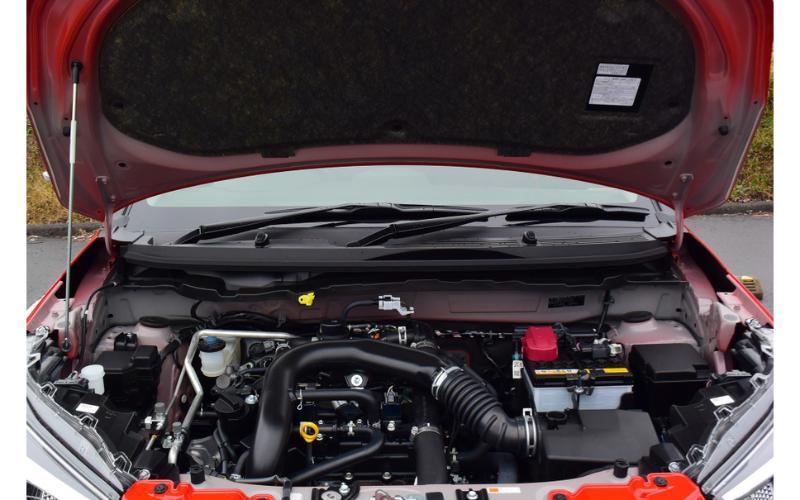 Mengagumkan, Konsumsi Bahan Bakar Toyota Raize dan Daihatsu Rocky Dekati LCGC 02