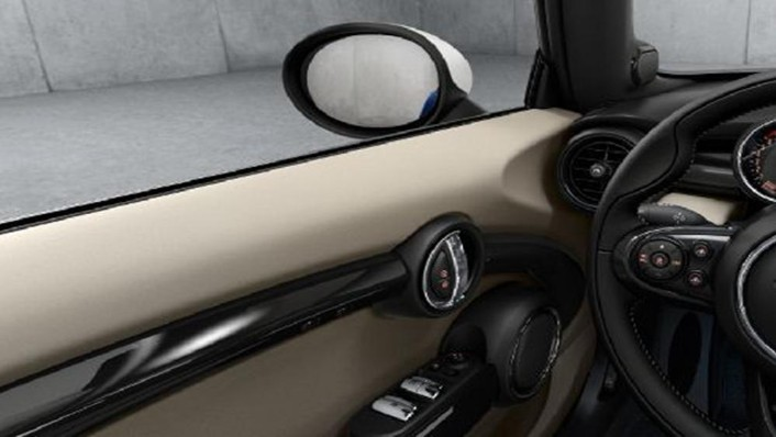 MINI Convertible 2019 Interior 005