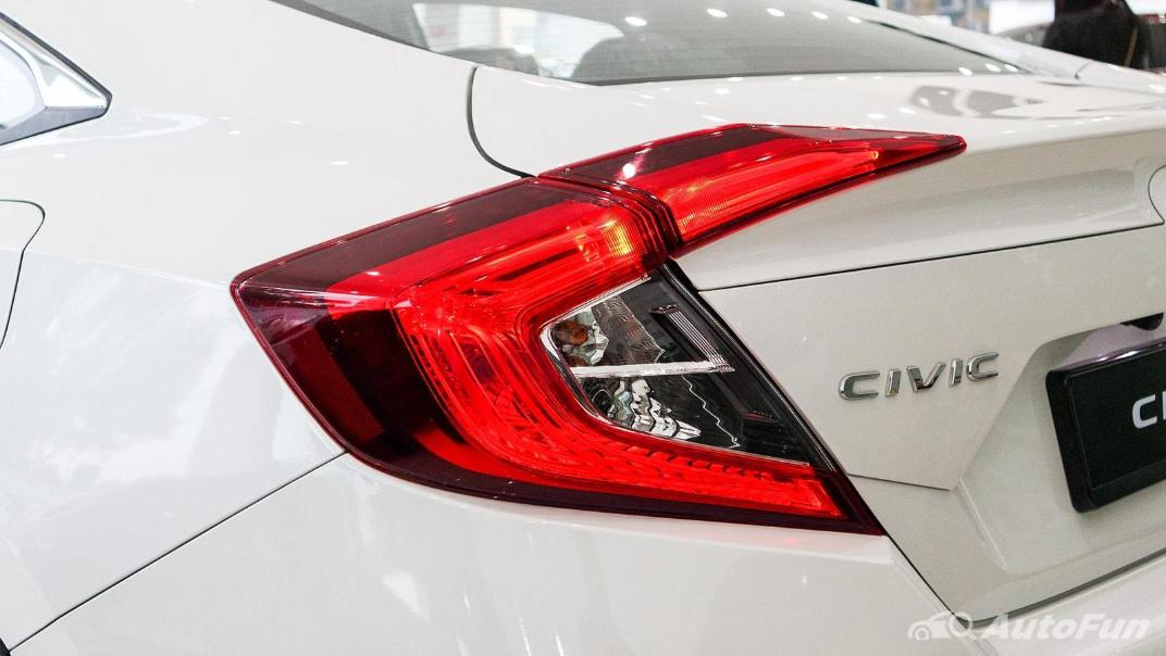 Honda Civic 2019 Exterior 016