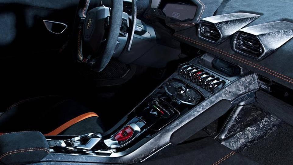 Lamborghini Huracan 2019 Interior 027