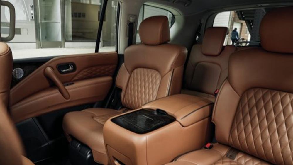Jaguar XE 2019 Interior 011