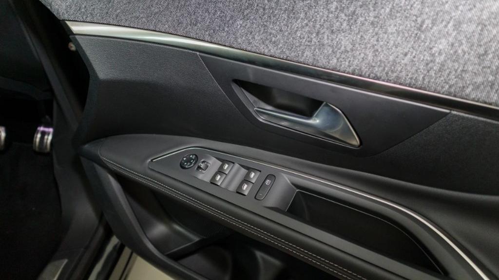 Peugeot 5008 2019 Interior 028