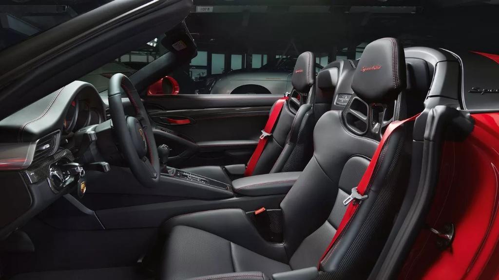 Porsche 911 2019 Interior 017