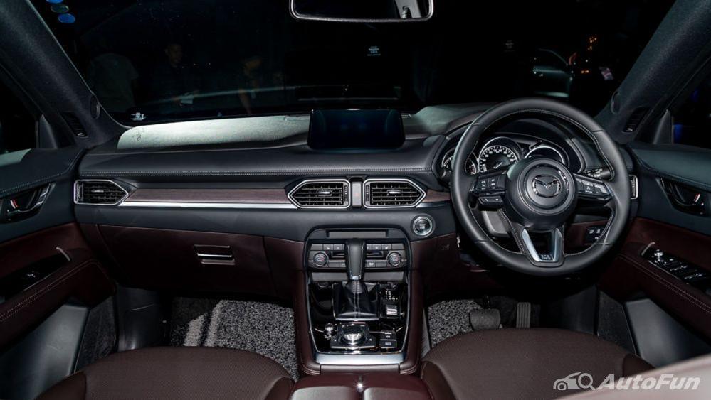 Mazda CX 8 2019 Interior 001