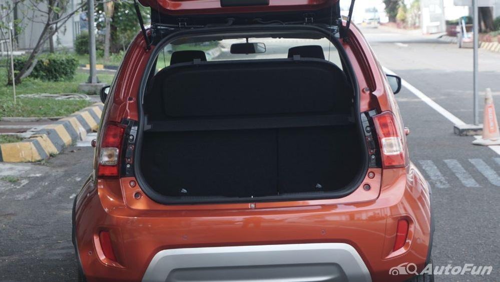 Suzuki Ignis GX AGS Exterior 016