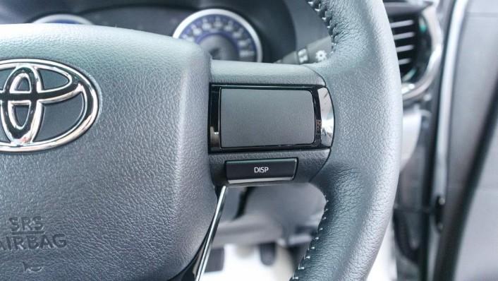 Toyota Hilux 2019 Interior 008
